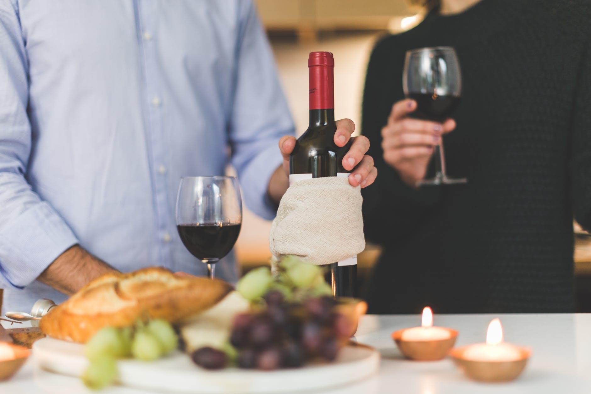 Pausa pranzo, 10 cose da fare quando si ha un ospite a casa