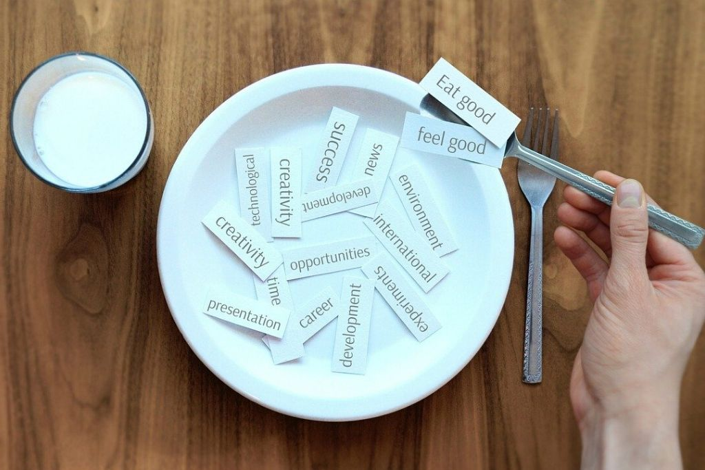 I fattori psicologici che influenzano l'alimentazione