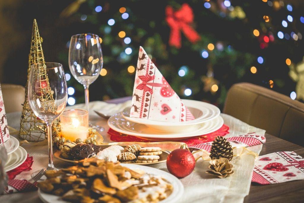 Natale sostenibile, i consigli per risparmiare e non sprecare durante le feste